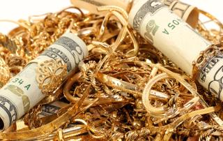 Цена золота упала до пятилетнего минимума