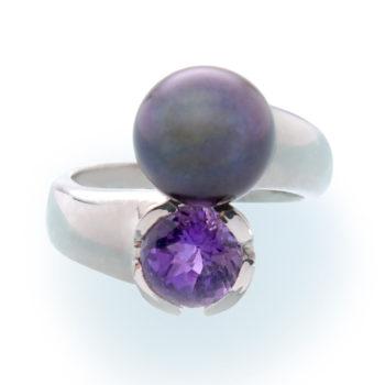 Женское кольцо с жемчугом и аметистом