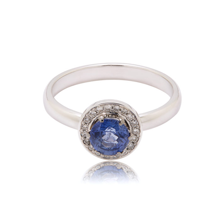 Золотое кольцо с черными бриллиантами